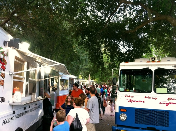 Food Truck Cafe at Lake Lily