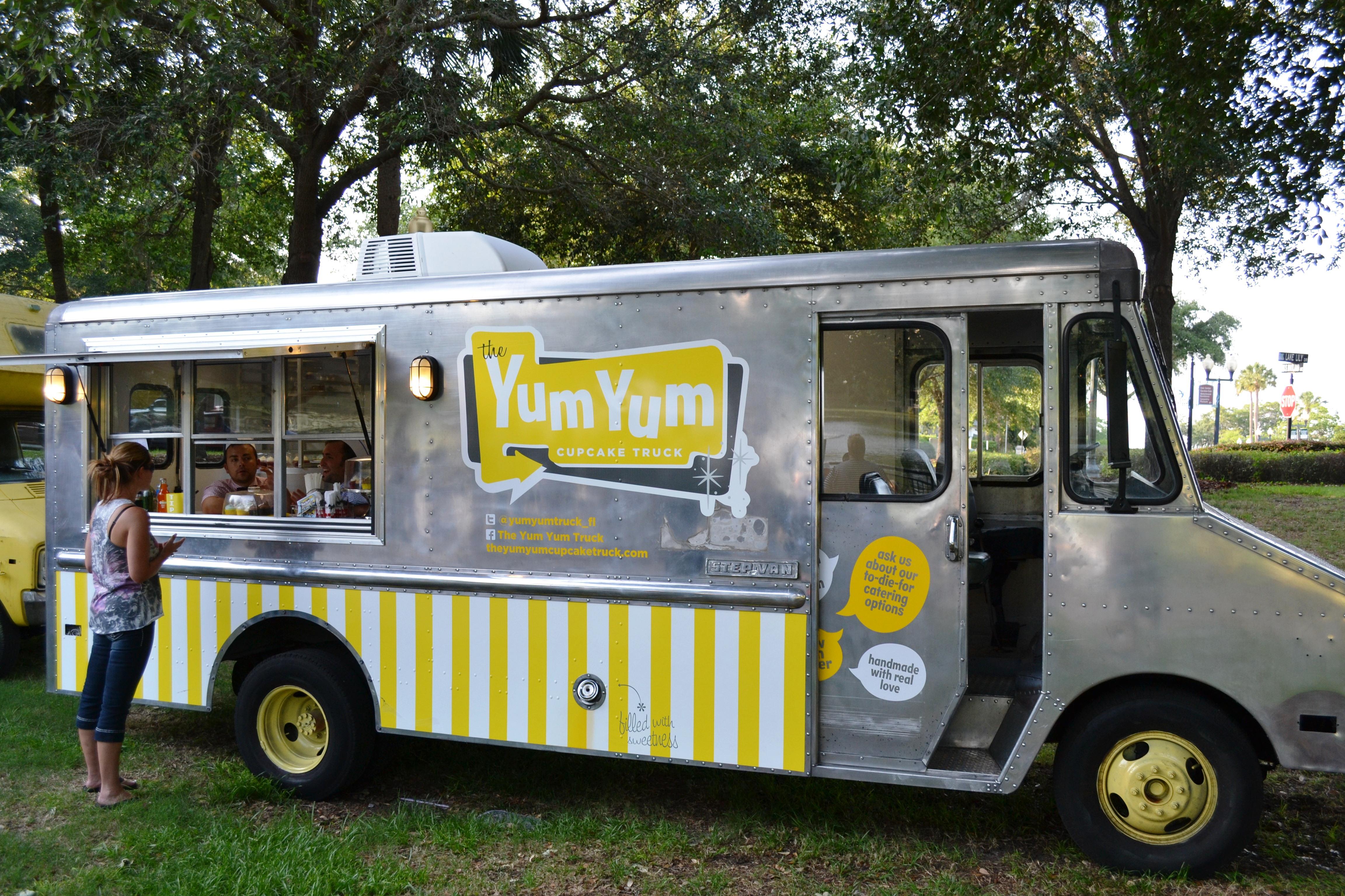 Food Truck Cafe at Lake Lily Park - Take 2 - PROFESSORJOSH.COM